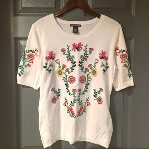 Chelsea & Theodore Short Sleeve Floral Sweater